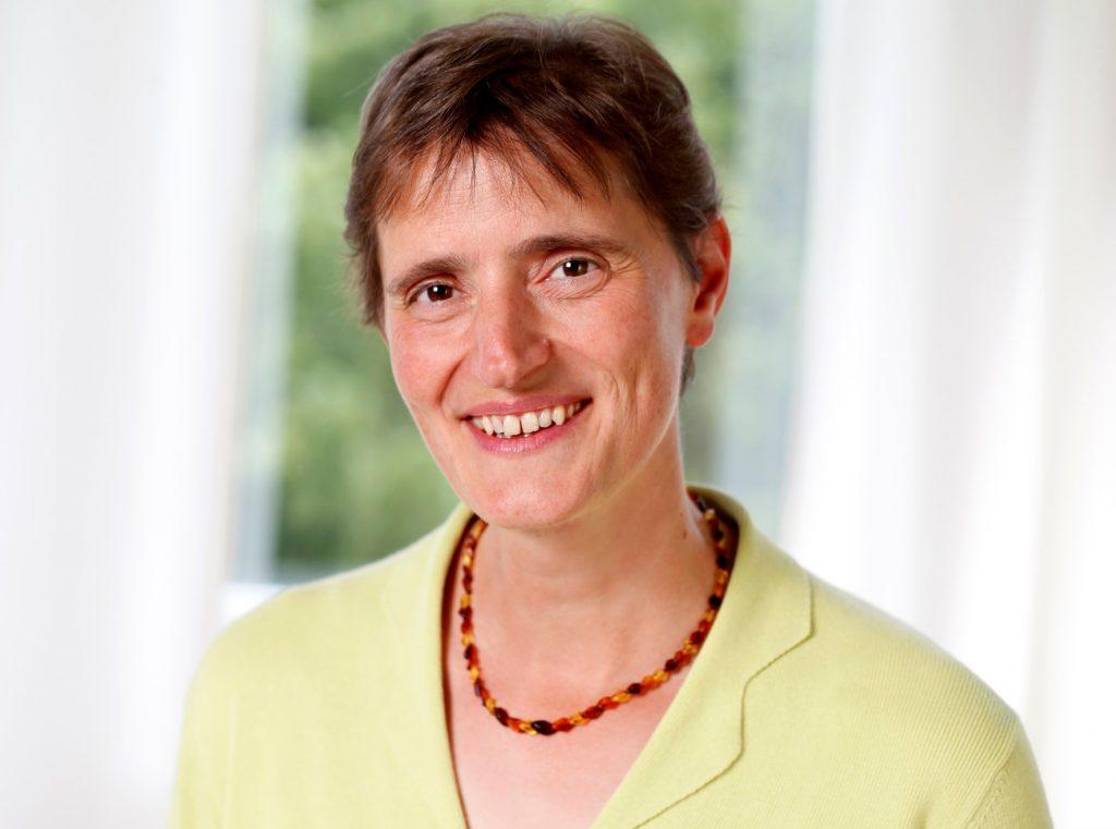Ursula Stienen hat ihre Naturheilkundepraxis in Meschede.